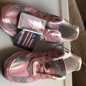 New Balance pink Susan Komen cure sneakers